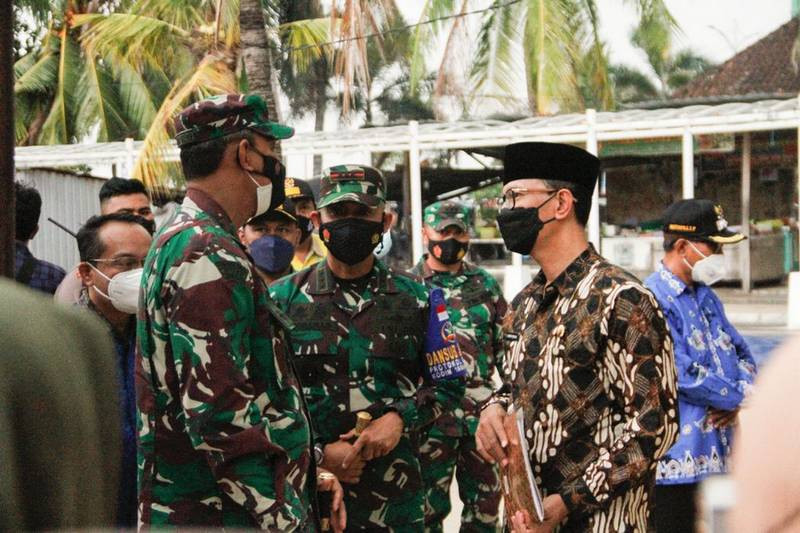 Dalam Rangka HUT TNI ke 76, Pemkot Mataram Gelar Bhakti Sosial di Ampenan