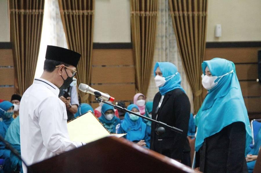 Walikota Lantik Ketua TP PKK dan Bunda PAUD Kelurahan Kecamatan se-Kota Mataram