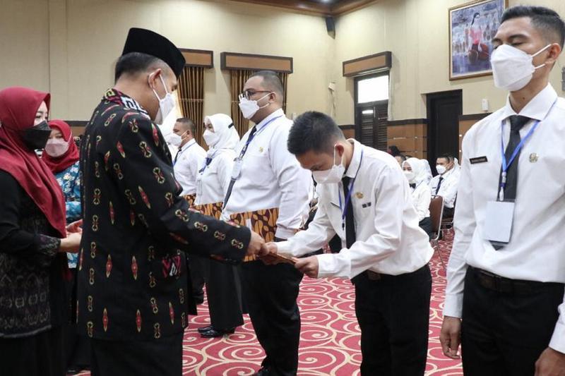 Wakil Walikota Menutup Acara Pelatihan Dasar CPNS Pemerintah Kota Mataram